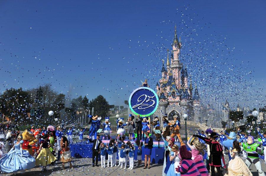 Openingsceremonie Disneyland Parijs 25e verjaardag