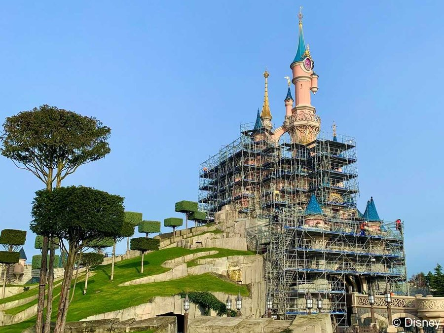 Disneyland-Paris-castle-construction-1418626.jpg