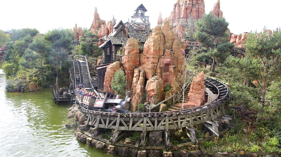 Renovatie big thunder mountain