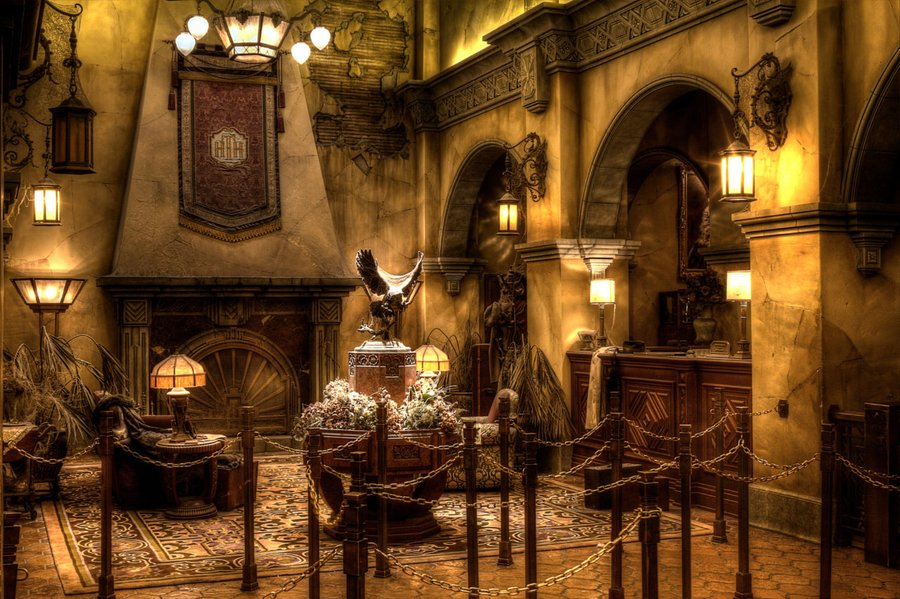 Walt-Disney-Studios-Paris-Ancient-hall-Tower-of-Terror-1280x853.jpg