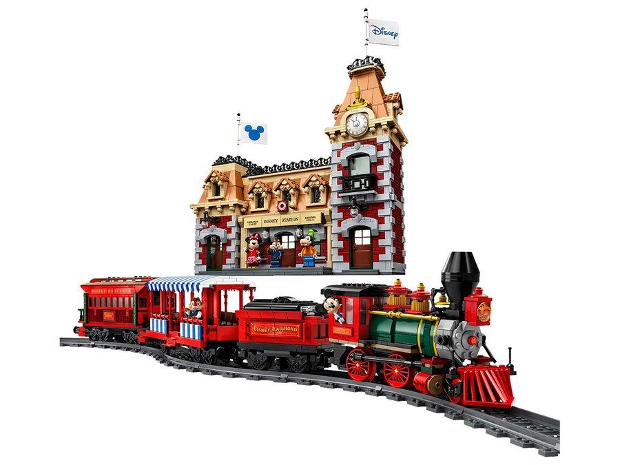 disney-lego-trein-station-2.jpeg