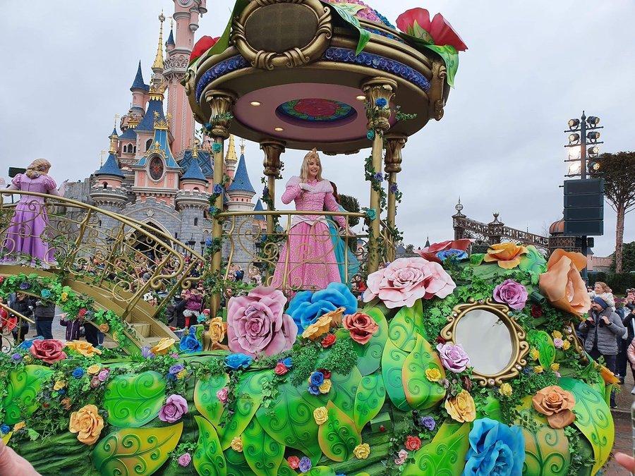 dlp-princess-parade-08.jpg