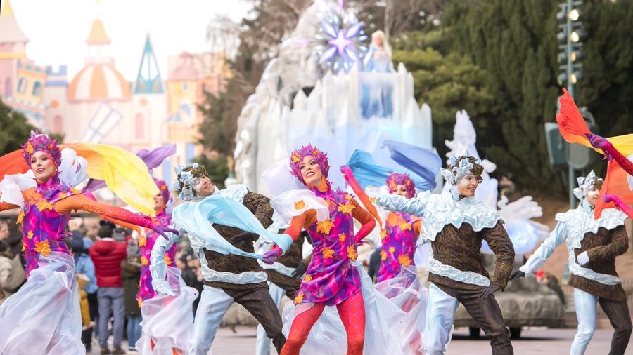 frozen-celebration-show-01.jpg