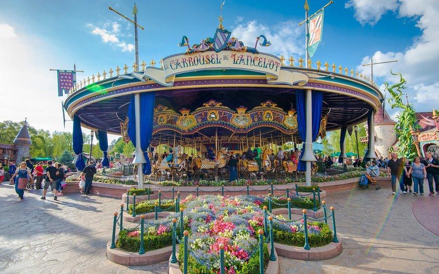 le-carrousel-de-lancelot-1.jpg