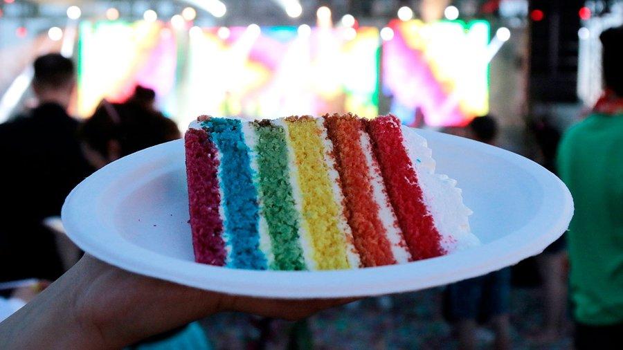n032890_2026may31_world_magical-pride-2019-rainbow-cake_1280x7202.jpg