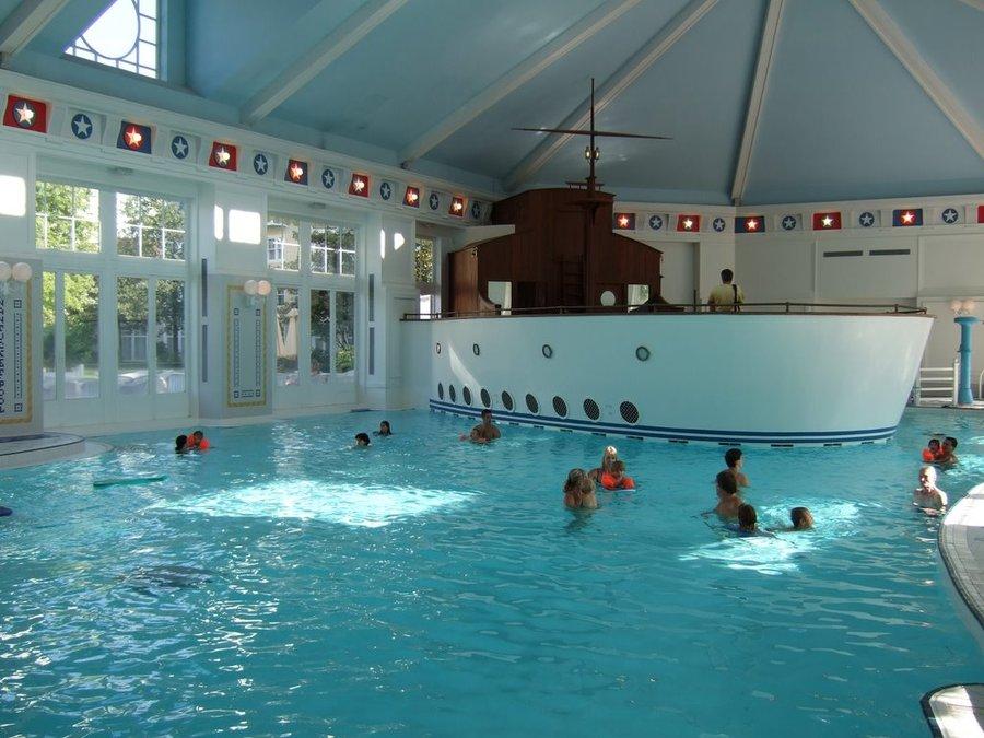 newport-bay-pool-2.jpg