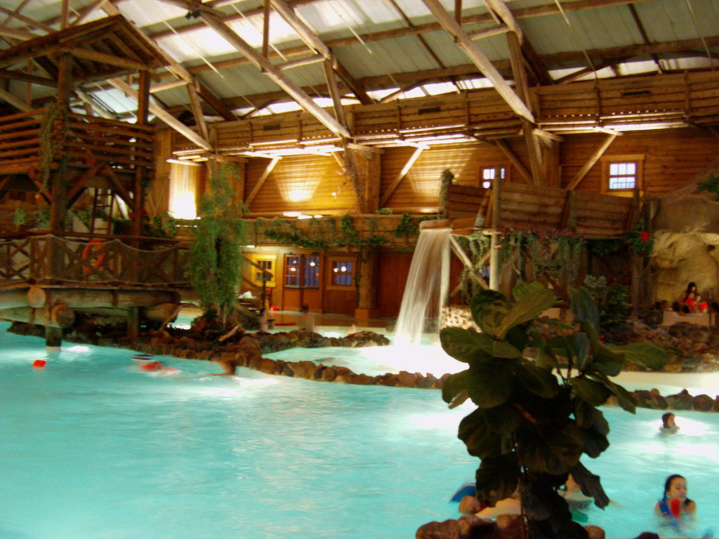 Disney 39 s davy crockett ranch disneyland paris disney magic for Piscine hotel davy crockett